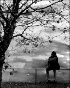 lonely-girl3.jpg