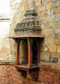 Close up of the jharokha in the mosque attached to the Bara Gumbad