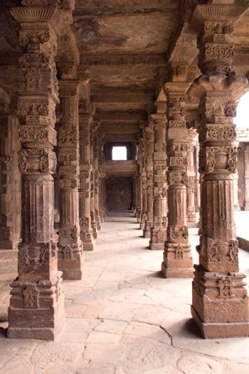 Row of Columns at Quwwatu'l Islam (Qutb Minar Complex)
