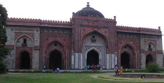 short essay on purana qila